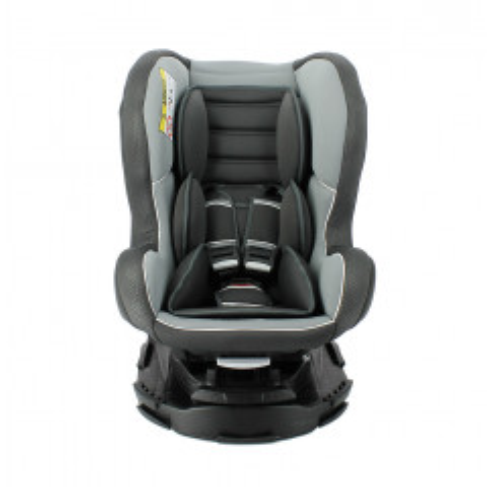 תמונה של כסא בטיחות עם בסיס REVO שחור